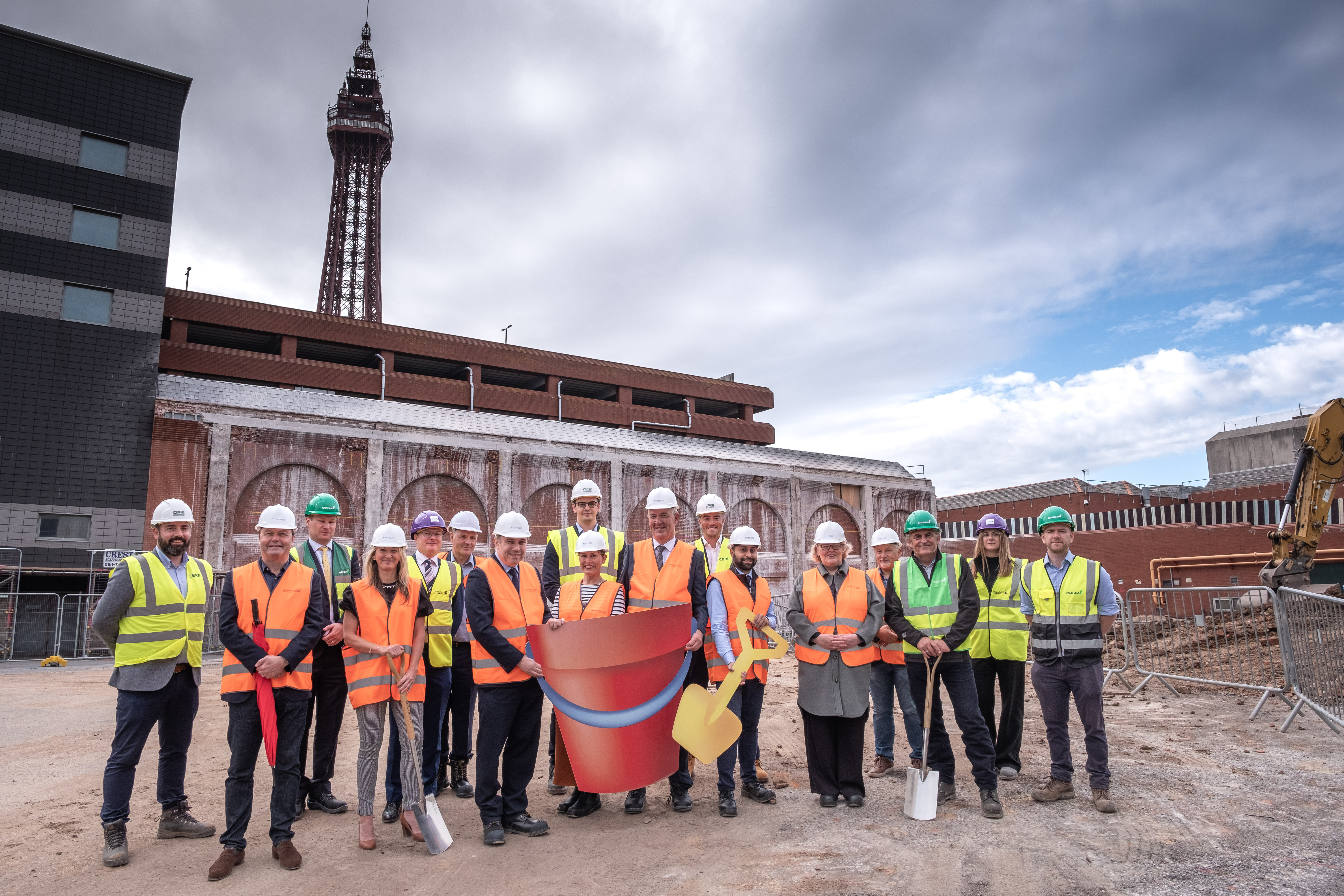 WORK STARTS ON SITE AT HOUNDSHILL PHASE TWO DEVELOPMENT image